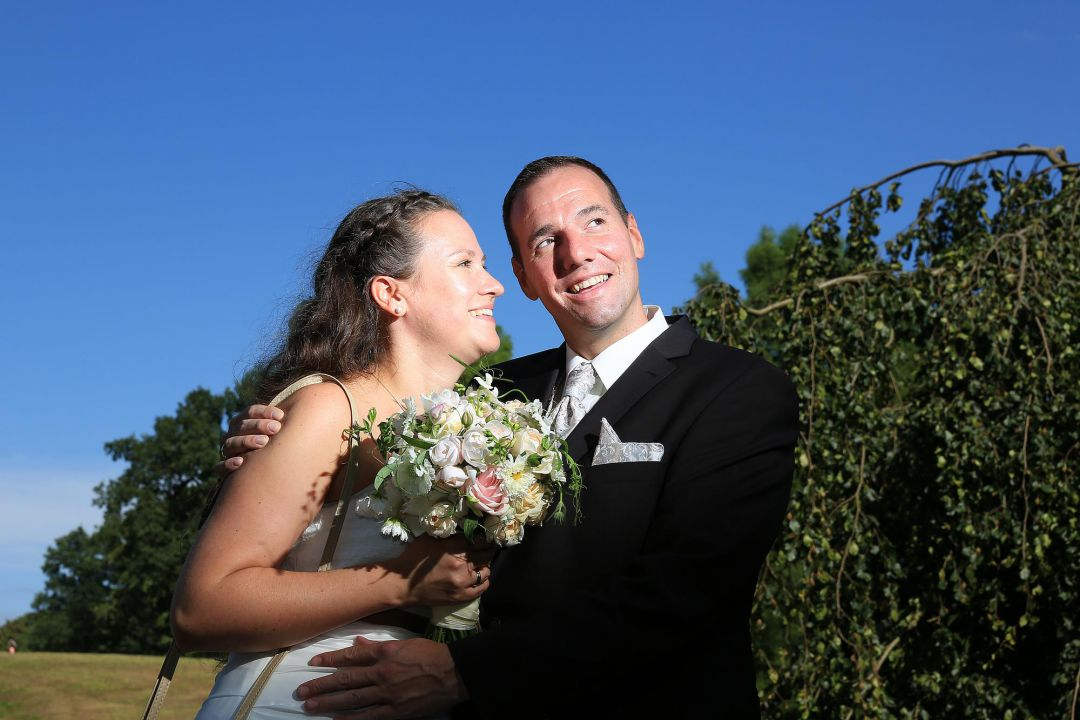 Paarfoto mit Brautstrauß Hochzeitsfotos von Peter Vogel, Hamburg