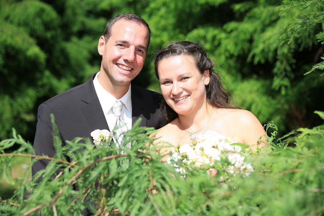 Hochzeitsfoto mit glücklichem Brautpaar von Peter Vogel, Hamburg