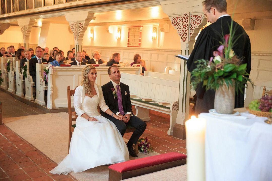 Trauung in einer Kirche, Hochzeitsfotos von Peter Vogel, Hamburg