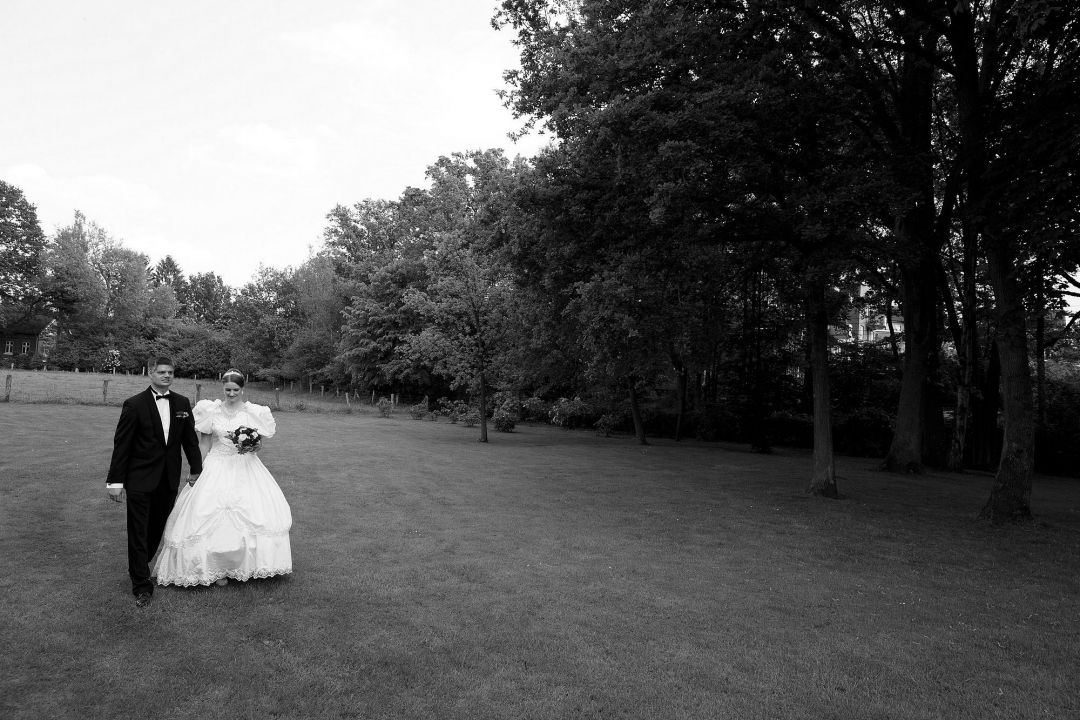 Hochzeit im Garten Foto vom Hochzeitsfotografen Peter Vogel