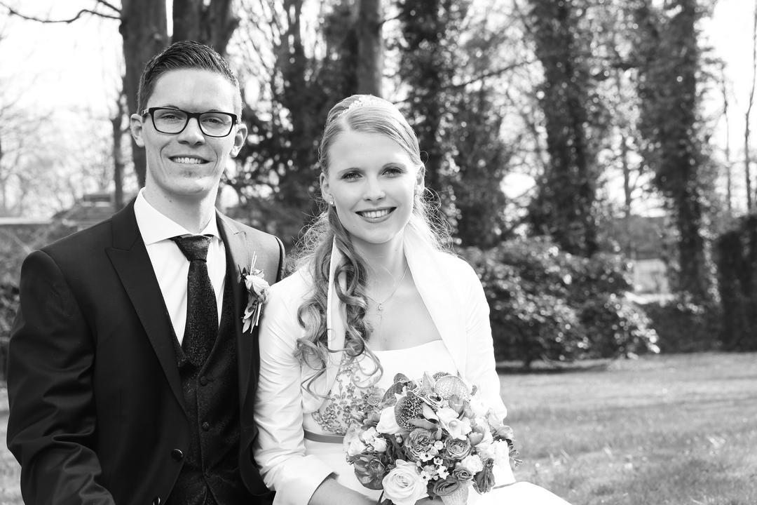 Portrait vom Brautpaar in schwarz weiß, Hochzeitsfotos von Peter Vogel, Hamburg