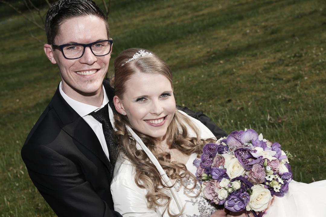 Erfrischendes, junges Brautpaar, Hochzeitsfotos von Peter Vogel, Hamburg