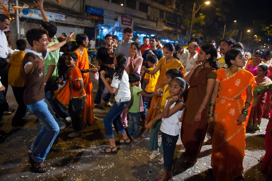 Spontan fotografierte Hochzeitsfeier in Indien (Mumbai)